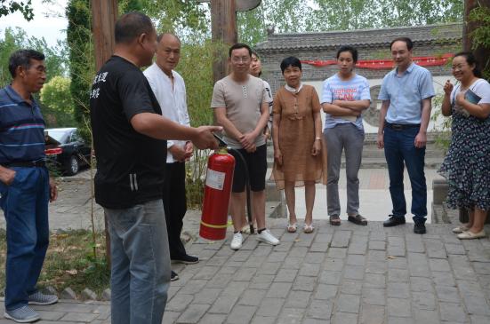 登封窑博物馆志愿者团队开展景区消防安全知识培训